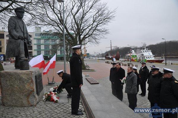 Uczniowie klasy II Nawzięli udział wuroczystościach poświęconych pamięci komandora Stanisława Mieszkowskiego